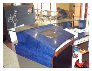 Solid Surface Display and Cash Counters Table Top